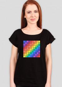 Luźny t-shirt damski w kwadraciki