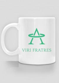 Kubek z logo Viri Fratres i napisem